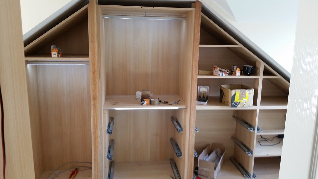 Fitted wardrobe not complet but looking good