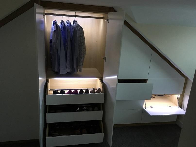 Showcasing the storage potential of our fitted waedrobes